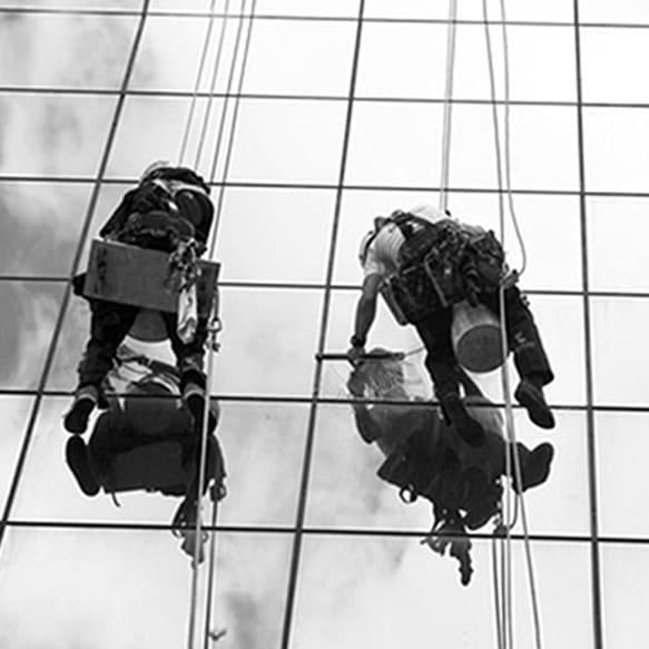 Rehabilitación y reparación de fachadas - VERTIPROTECT | Soluciones en altura