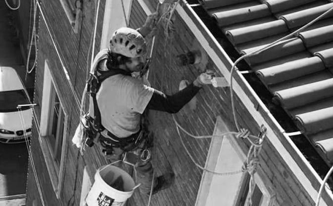 Instalación de anclajes para trabajos en altura